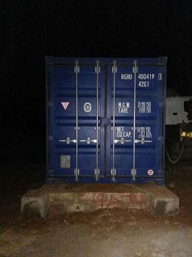 17.11.2016 – Der Container steht auf dem Fundament an seinem Bestimmungsort